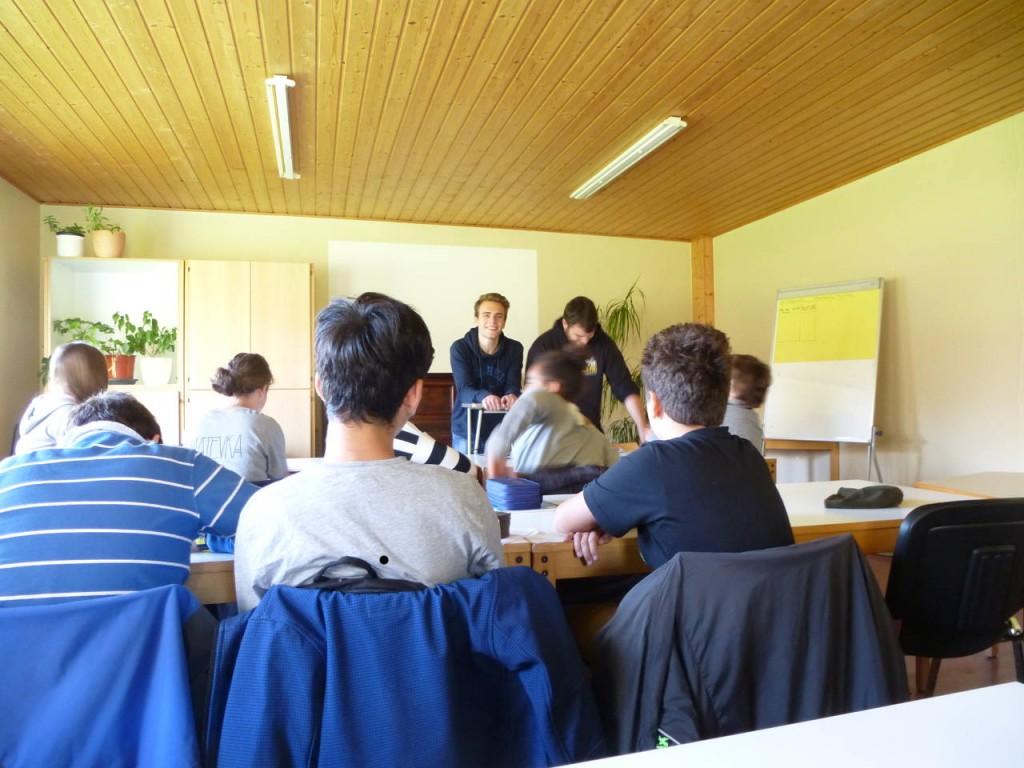 In dem uns bereitgestellten Seminarraum trafen wir uns täglich und planten u.a. die Projekttage, entwickelten aber beispielsweise auch Ideen zur Verbesserung unserer Schule.