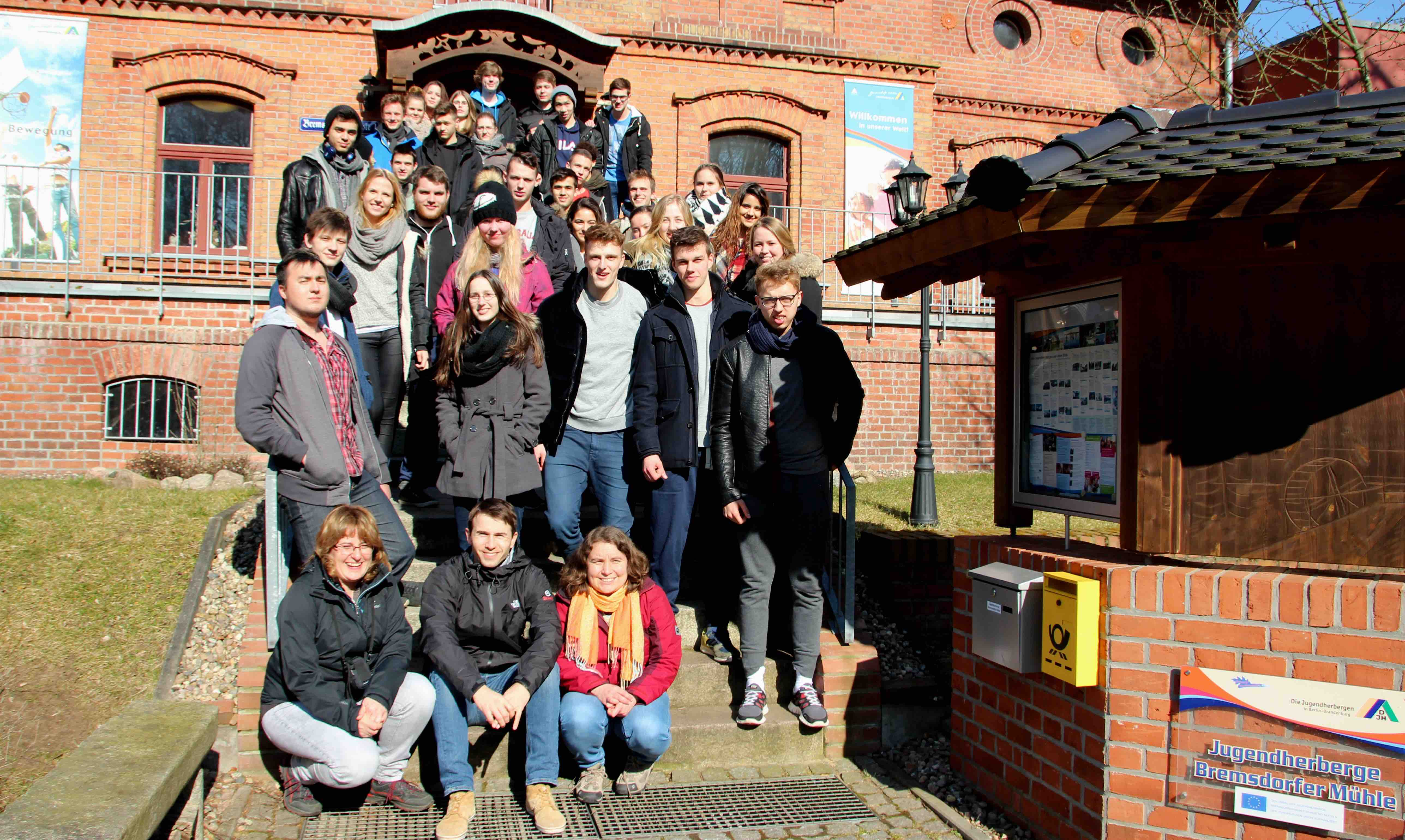 http://www.steingymnasium.de/wp-content/uploads/2015/03/Gruppenfoto.jpg