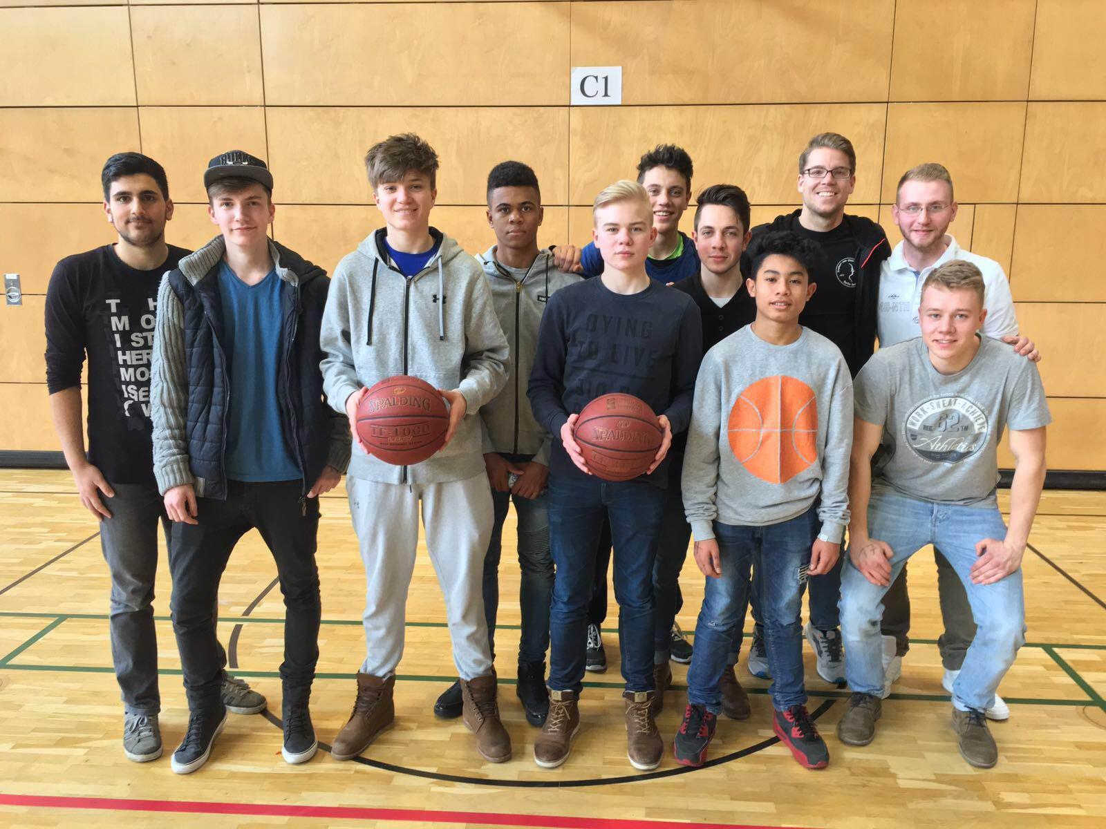 http://www.steingymnasium.de/wp-content/uploads/2016/03/basketball2016.jpg