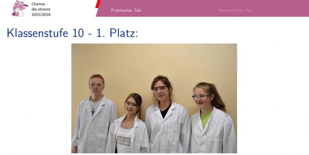 Alica Grindel (2. v. l.) mit ihrem norddeutschen Siegerteam