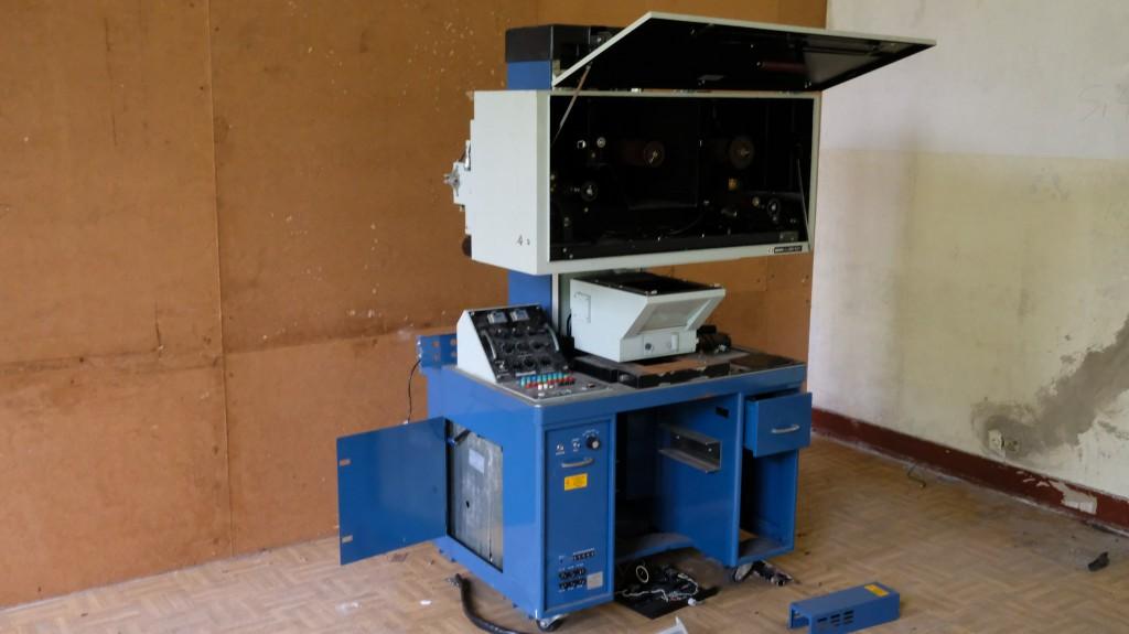 Diese Schneidemaschine aus dem Fotolabor der sowjetischen Periode kam dabei nicht mehr zum Einsatz.