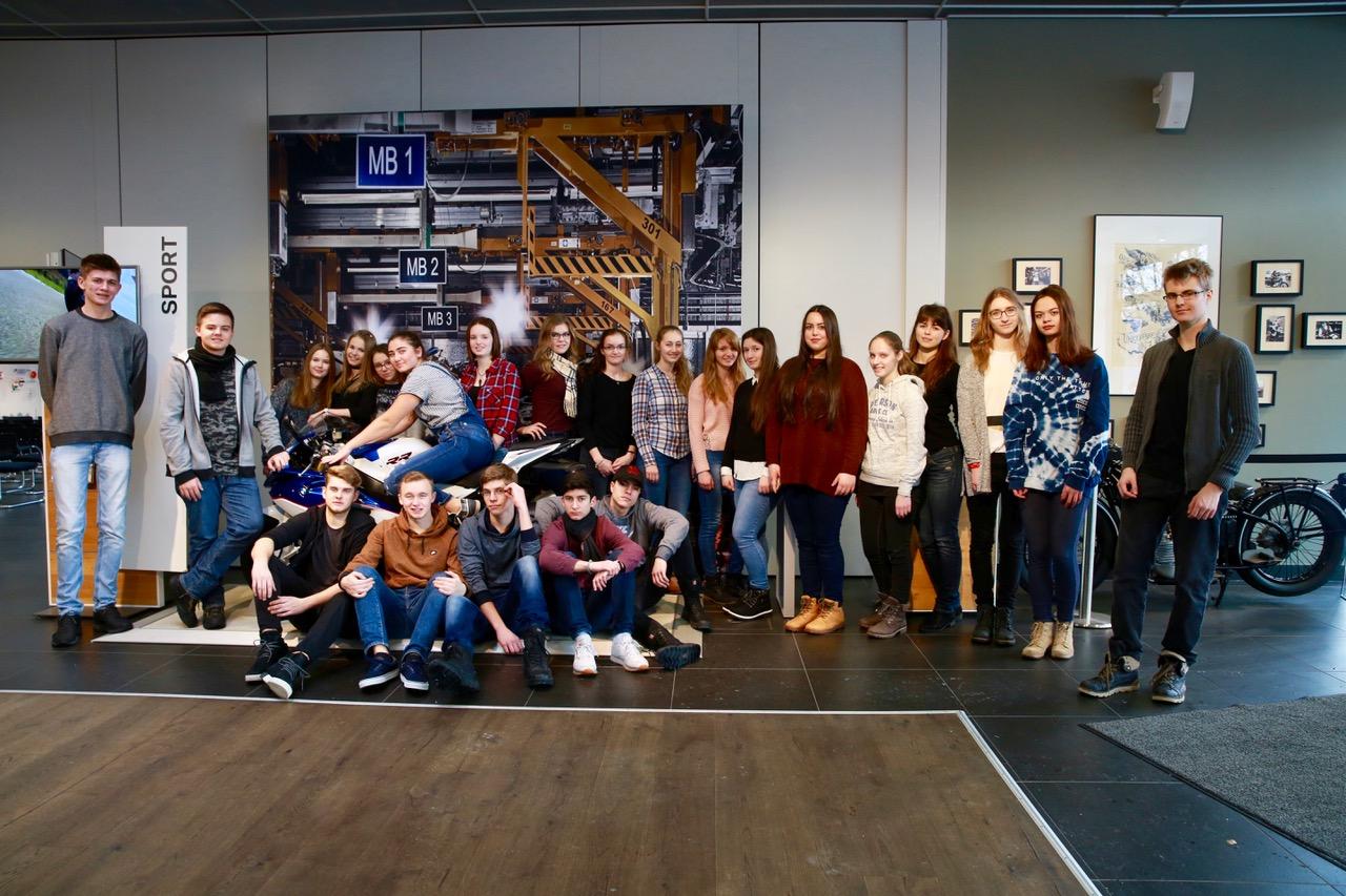http://www.steingymnasium.de/wp-content/uploads/2017/01/FX5A3172.jpeg
