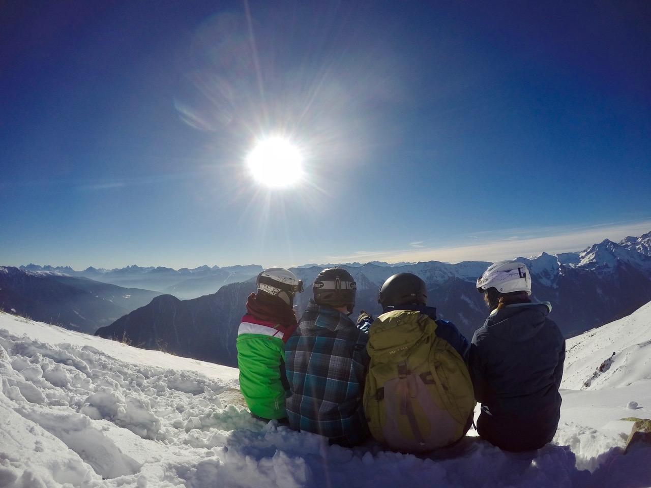 http://www.steingymnasium.de/wp-content/uploads/2017/01/die-Skifahrer-blicken-auf-die-Dolomiten.jpeg