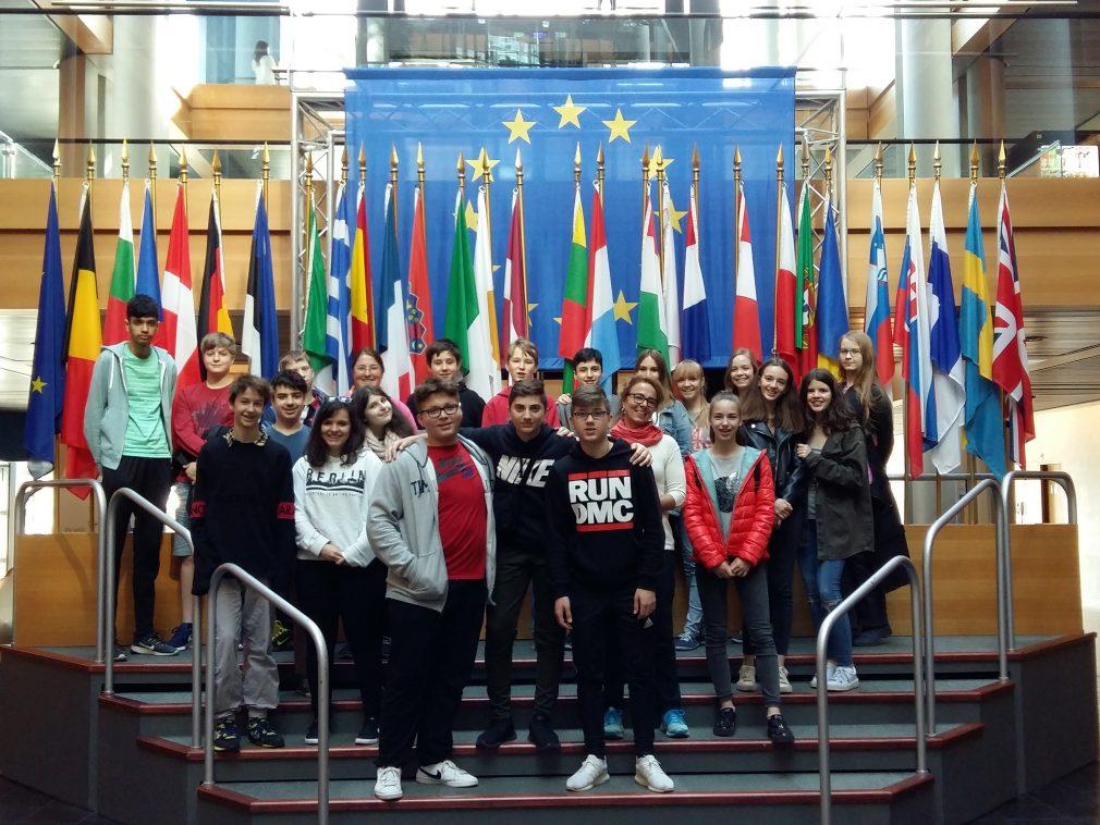 http://www.steingymnasium.de/wp-content/uploads/2018/04/9_europaparlament_str_araine_20180416_100439-e1524634050668.jpg