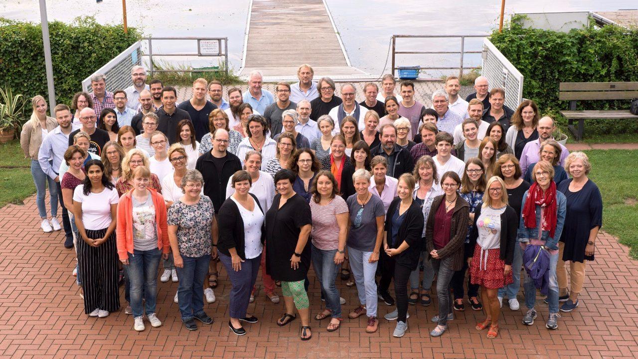 http://www.steingymnasium.de/wp-content/uploads/2019/08/Kollegium-2-e1565059505654.jpeg